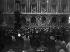 Guerre 1914-1918. L'armistice du 11 novembre 1918. Paris, place de l'Opéra. © Maurice-Louis Branger/Roger-Viollet