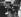 Stéphane Grapelli (1908-1997), violoniste de jazz français, et Yehudi Menuhin (1916-1999), violoniste et chef d'orchestre américain. 1973.  © Clive Barda / TopFoto / Roger-Viollet