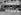 Guerre 1939-1945. Balisage des trottoirs pour la défense passive. Paris, 1939. © LAPI/Roger-Viollet