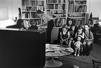 Wednesday. Children watching television. Paris. 1968. Photograph by Janine Niepce (1921-2007). © Janine Niepce/Roger-Viollet