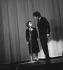 Edith Piaf (1915-1963), chanteuse française et Théo Sarapo. Olympia, septembre 1962. © Claude Poirier / Roger-Viollet
