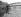 Pont sur la Seine donnant sur l'entrée des usines Renault de l'île Seguin, à Boulogne-Billancourt (Hauts-de-Seine), vers 1946-1948.     © Pierre Jahan/Roger-Viollet