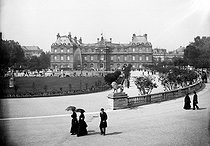 Paris. The Luxembourg palace. © Neurdein/Roger-Viollet