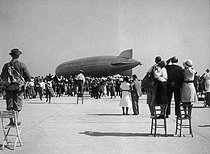August 29, 1929 (90 years ago) : The LZ 127 Graf Zeppelin flies around the world in 21 days