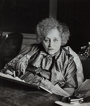 Colette (1873-1954), French writer, in her apartment. Paris, Palais Royal, 1953. © Janine Niepce/Roger-Viollet