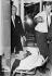 Assassinat de Robert Kennedy (1925-1968). Transfert vers un hôpital de Los Angeles, 5 juin 1968. © TopFoto / Roger-Viollet