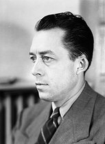 Albert Camus (1913-1960), French writer. France, 1947.  © Henri Martinie / Roger-Viollet
