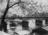 Le Pont des Arts. Paris (VIème arr.), 1903. Photographie de Paul Géniaux (1873-1914). Paris, musée Carnavalet. © Paul Géniaux/Musée Carnavalet/Roger-Viollet