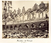 """Album """"Remains of the Paris Commune"""" (1871). Interior of the Ministry of Finance (plate 36). Anonymous photograph. Paris, musée Carnavalet. © Musée Carnavalet/Roger-Viollet"""