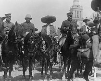 Revolution in Mexico. Emiliano Zapata and Pancho Villa (centre), entering Mexico City (Mexico), on December 6, 1914. National museum of Mexico City.      © Roger-Viollet