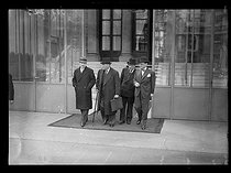 World War II. End of a Cabinet meeting. From left to right : Camille Chautemps (1885-1963), vice-president of the Council of Ministers, Edouard Daladier (1884-1970), Minister of Defence, and César Campinchi (1882-1941), French lawyer and Minister of the Navy. Paris, on April 1st, 1940. © Excelsior – L'Equipe/Roger-Viollet