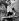 Margaret Roberts (1925-2013, future madame Thatcher), faisant la queue pour avoir un autographe de Patricia Dainton (née en 1930), actrice écossaise, lors de sa fête. Dartford (Angleterre), 1951. © TopFoto / Roger-Viollet