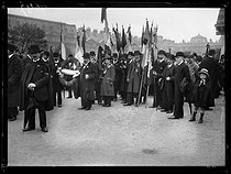 World War One. Procession at the Tuileries park for St. Joan of Arc Feast Day. Paris, on May 12, 1918. © Excelsior – L'Equipe/Roger-Viollet