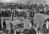Guerre d'Espagne (1936-1939). Rassemblement de civils et de soldats espagnols réfugiés en France. © LAPI/Roger-Viollet