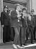 Mick Jagger (né en 1943), chanteur anglais et Keith Richards (né en 1943), guitariste anglais, membres des Rolling Stones, poursuivis pour détention de drogues. Tribunal de Chichester (Angleterre), 10 mai 1967. © PA Archive / Roger-Viollet
