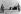 Guerre de Corée (1950-1953). Deux soldats nord-coréens armés de baïonnettes montant la garde devant la tente où se négocie l'armistice. Pan Mun Jon (Corée du Nord), novembre 1951. © Ullstein Bild / Roger-Viollet