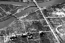 Aerial view of Ground Zero (point directly below the bomb explosion). Hiroshima (Japan), fall 1945. © Bilderwelt/Roger-Viollet