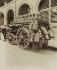 Milkman's carriage. Paris, 1910. Photograph by Eugène Atget (1857-1927). Paris, musée Carnavalet. © Eugène Atget / Musée Carnavalet / Roger-Viollet
