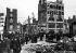 Scène de rue après l'insurrection de Pâques 1916. Dublin (Irlande), mai 1916. © TopFoto / Roger-Viollet