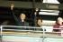 Nelson Mandela (1918-2013), homme politique sud-africain, et son épouse Winnie Mandela (1936-2018), lors d'un concert au stade de Wembley. Londres (Angleterre), 17 avril 1990. © TopFoto / Roger-Viollet