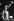 Brian Jones (1942-1969), musicien anglais et guitariste des Rolling Stones, se préparant pour un concert, dans les années 1960.  © Jan Olofsson / TopFoto / Roger-Viollet