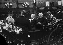 Raymond Poincaré (1860-1934), President of the French Republic, and Georges Clemenceau (1841-1929), President of the Council of Ministers, during an official visit of the Government in Strasbourg (France), on December 8, 1918. © Maurice-Louis Branger / Roger-Viollet