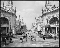 1900 World Fair in Paris. Palaces at the Invalides. Paris (VIIth arrondissement), 1900. © Léon et Lévy/Roger-Viollet