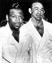 Ray Sugar Robinson (1920-1989), boxeur américain, qui regagna le titre mondial des poids moyens face à Carmen Basilio (à dr.). Chicago (Etats-Unis), 26 mars 1958. © TopFoto / Roger-Viollet