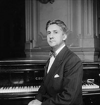 Roger Desormière (1898-1963), French conductor and composer. © Boris Lipnitzki / Roger-Viollet