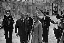 Margaret Thatcher (1925-2013), British Prime Minister, greeted by Valéry Giscard d'Estaing (born in 1926), President of the French Republic. © Jacques Cuinières / Roger-Viollet