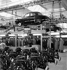 Usine Renault. Chaîne de montage des Dauphines. Boulogne-Billancourt (Hauts-de-Seine), 1956.     © LAPI/Roger-Viollet
