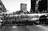Conséquences de la catastrophe de Tchernobyl. Manifestation antinucléaire dans Budapester Strasse. Berlin (Allemagne), 3 mai 1986. © Ullstein Bild/Roger-Viollet