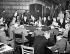 Guerre 1939-1945. Conférence de Potsdam. Parmi les personnalités politiques présentes : Joseph Staline, Winston Churchill, Clement Attlee et Harry S. Truman. Potsdam (Allemagne), château de Cecilienhof, 19 juillet 1945. © TopFoto/Roger-Viollet