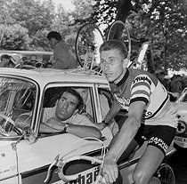 Jacques Anquetil, French racing cyclist, with his coach, Raphaël Géminiani. © Roger-Viollet