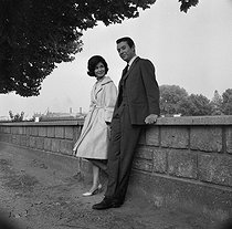"Shooting of ""L'Education sentimentale"", film by Alexandre Astruc (1962), after the novel by Gustave Flaubert (1869). Marie-José Nat and Michel Auclair. France-Italy, on July 24, 1961. © Alain Adler / Roger-Viollet"