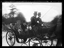 """King Emmanuel III of Italy (1869-1947) and Raymond Poincaré (1860-1934), French statesman. Paris, on December 19, 1918. Photograph published in the newspaper """"Excelsior"""", on December 20, 1918. © Excelsior - L'Equipe / Roger-Viollet"""