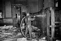 Events of May-June 1968. Fire at the Paris stock exchange, on May 24, 1968. © Roger-Viollet