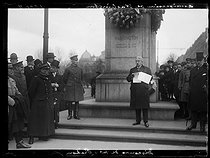 "World War I. Anniversary of the birth of George Washington (1732-1799), American statesman and General. Stephen Pichon (1857-1933), French politician, making a speech during the ceremony at the statue of the founder of the United States. Paris, place d'Iéna, on February 22, 1918. Photograph published in the newspaper ""Excelsior"", on February 23, 1918. © Excelsior – L'Equipe/Roger-Viollet"