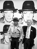Andy Warhol (1928-1987), artiste et cinéaste américain, et Joseph Beuys (1921-1986), sculpteur allemand, à la galerie Schellmann & Klüser. Munich (Allemagne), 6 mai 1980. © Ullstein Bild / Roger-Viollet