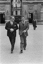 Jean-Pierre Fourcade (born in 1929), French politician, and Albin Chalandon (1920-2020), French senior official, banker and politician. © Jacques Cuinières / Roger-Viollet
