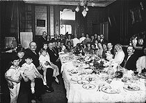 Banquet of a wedding. France, about 1920. © Roger-Viollet
