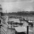 Exposition universelle de 1867, Paris. Embarcadère sur la Seine. Détail d'une vue stéréoscopique. © Léon et Lévy / Roger-Viollet