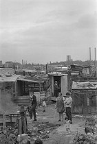 Portuguese community in a shanty town. Champigny-sur-Marne (France), 1968. © Georges Azenstarck / Roger-Viollet