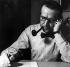 Georges Simenon (1903-1989), écrivain belge. Photographie de Gertrude Fehr (1895-1996). © Gertrude Fehr / Ullstein Bild / Roger-Viollet