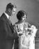 Le prince Albert (duc d'York et futur roi George VI, 1895-1952) et son épouse Elisabeth Bowes-Lyon (1900-2002), le jour du baptême de leur fille aînée, la princesse Elisabeth (née en 1926). Londres (Angleterre), mai 1926. © TopFoto/Roger-Viollet