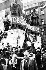 Printemps de Prague. Manifestations contre l'entrée des troupes du pacte de Varsovie en Tchécoslovaquie. Prague, Wenzelsplatz, 24 août 1968. © Ullstein Bild / Roger-Viollet