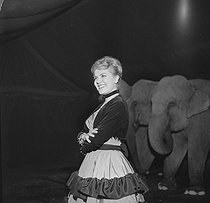 Gala de l'Union des Artistes, charity circus performed by artists. Jane Rhodes (1929-2011), French opera singer. Paris, March 1960. © Studio Lipnitzki / Roger-Viollet