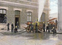 Operations of the fire brigade, around 1890-1900. © Roger-Viollet