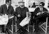 """De gauche à droite : Lino Ventura, Jean Gabin et Alain Delon, sur le tournage du """"Clan des Siciliens"""", film d'Henri Verneuil. France, 1969.  © Alinari / Roger-Viollet"""