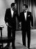 Frank Sinatra (1915-1998) et Dean Martin (1917-1995), acteurs et chanteurs américains, en tenue de soirée. Etats-Unis, dans les années 1950. © TopFoto / Roger-Viollet